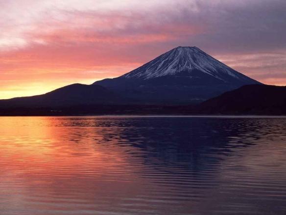 beautiful_sunset_over_mount_fuji_photo