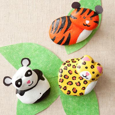 http://www.allyou.com/budget-home/crafts/kid-friendly-activities/rock-animal-craft